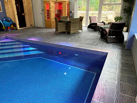 pool steps.jpg