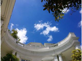ブライダル撮影 ブルーな空と白い雲