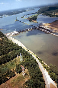 USACE_Webbers_Falls_Lock_and_Dam.jpg