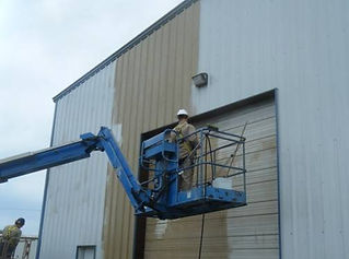 Cleaning warehouse from condensate.jpg