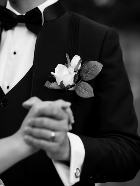 first-look-wedding-photography-brookside-gardens-maryland-deannadidthat.com-1-6.jpg