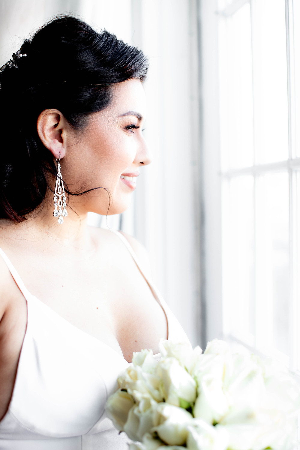 Beautiful bride wedding photography at the Hotel Lorien and Spa in Old Town, Alexandria in Virginia.