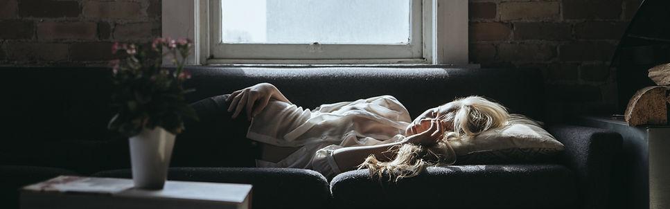 Schlafende Frau - Symbol für Übernachtungen