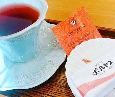 紅茶とお菓子をいただきました😊✨✨