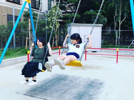 小学校のお迎えの後、公園で遊びました🌲