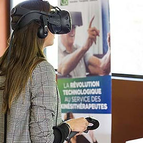 Patient using virtual reality device KineQuantum for rehabilitation