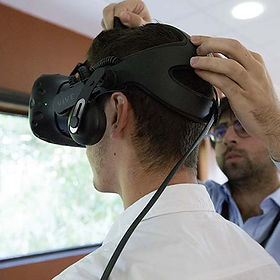 Setting up the KineQuantum virtual reality mask is fast and easy