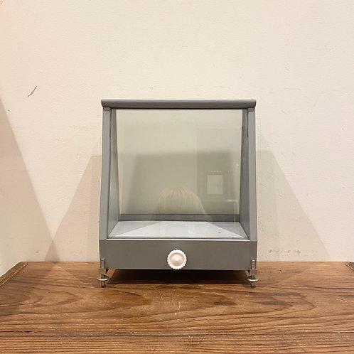天秤のガラスケース