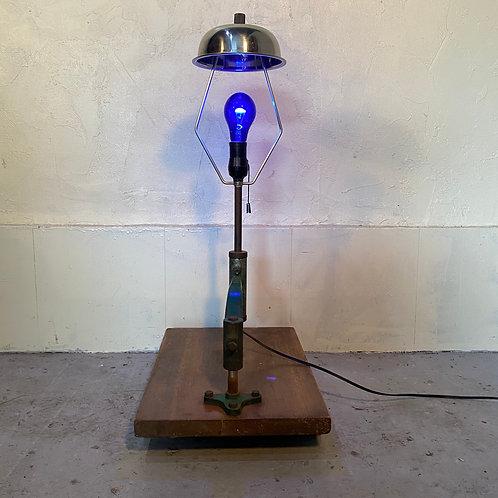 台座のランプ