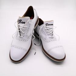 Bestickte Schuhe
