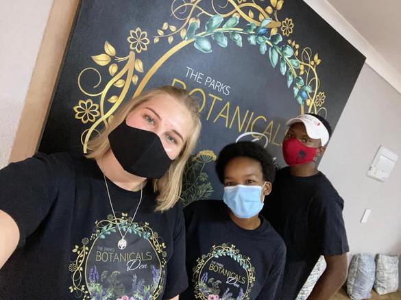 Botanicals Den Students.jpg