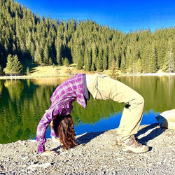 #urdhvadanurasana  stretching chest and lungs to be able to inhale deeper in the Mountains❤️Sunday p