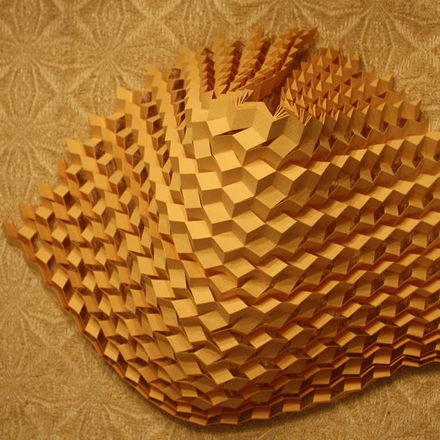 Honeycomb kirigami