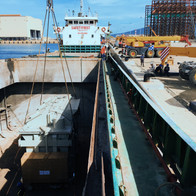 Project cargo discharge