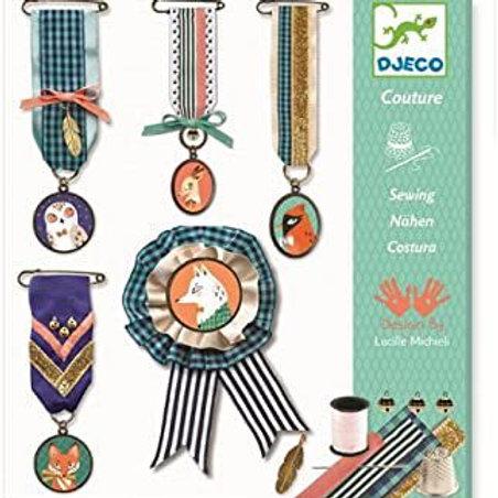 Costura entre hilos y medallas - Djeco