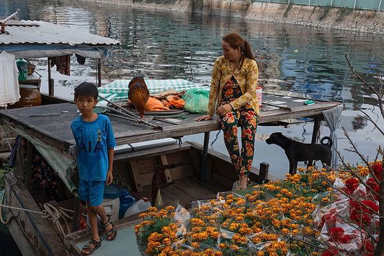 Binh Dong Floating Flower Market.Floating Flower Market At Ben Binh Dong Saigon
