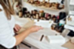 verpacken Verpackung Michaela Römer Werstatt Goldschmiede Goldschmiedemeister Liebe Hochzeit Ehringe Verlobungsringe Verlobung MR nahhaltig recycling upcycling Gold