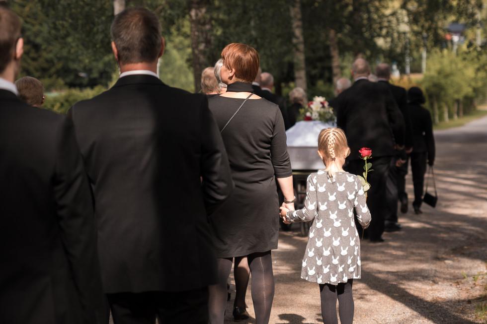 hautajaisten valokuvaus, hautajaiskuvaus lahti, hautajaiskuvaus orimattila, hautajaiskuvaus päijät-häme