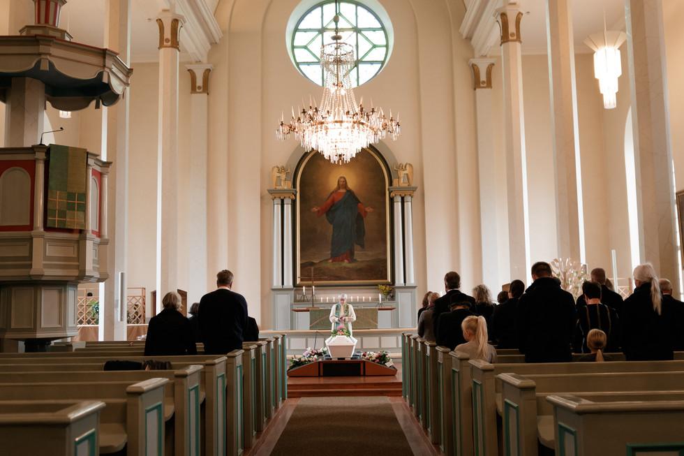 hautajaiset orimattila, orimattilan kirkko, orimattilan kirkko hautajaiset, hautajaisten valokuvaus, hautajaiskuvaus, hautajaisten valokuvaus orimattila