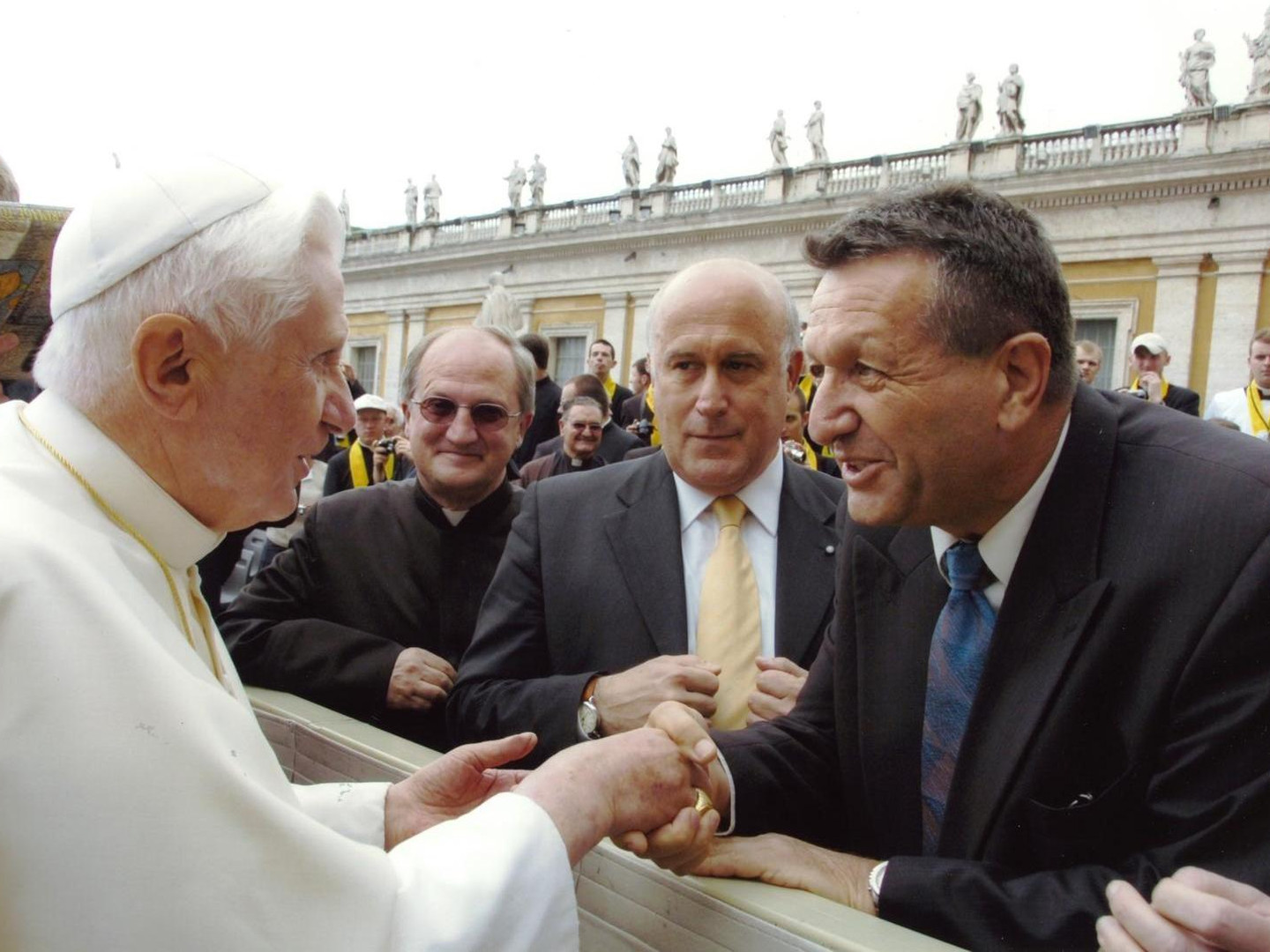 Pope and Amos meeting in the Vatican