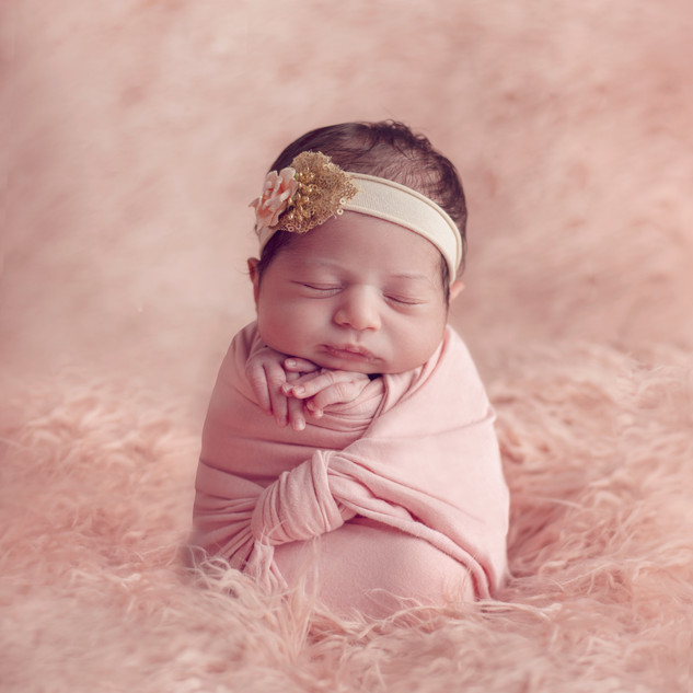 {Newborn} Sara99.jpg