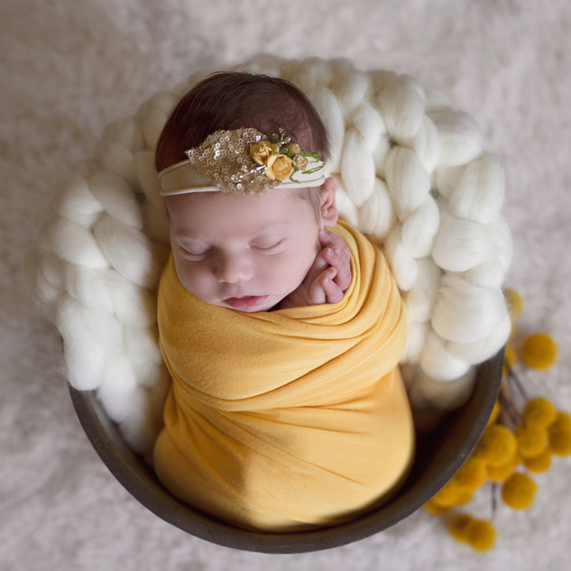 {Newborn} Olivia15.jpg