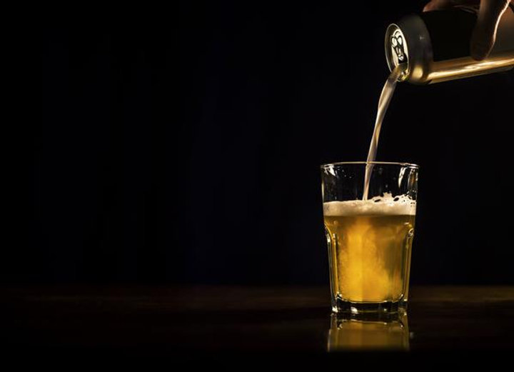 beer-pouring-from-can_4460x4460_b7e1fd66