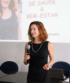 Angélica Banhara palestrante, jornalista e consultora de fitness, nutrição e bem-estar