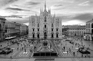 Duomo-MIlao-Italia 2.jpg
