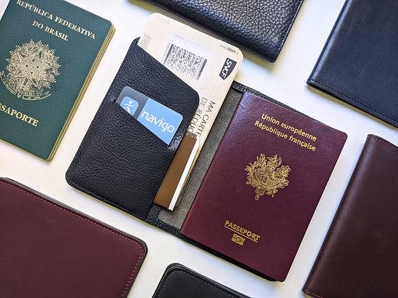 Porte-passeport cuir tannage végétal bleu