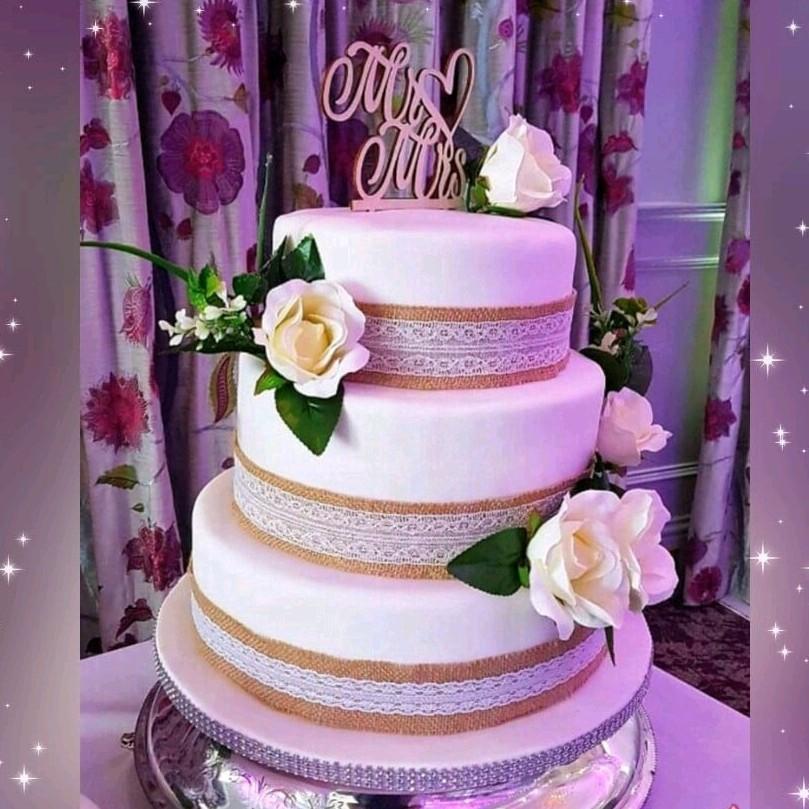 3 tier Wedding Cake Dees Bakery House.jp