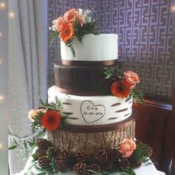 Dee's Bakery House 3 tier Wedding Cake.j