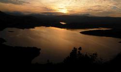 Tramonto sul lago Temo