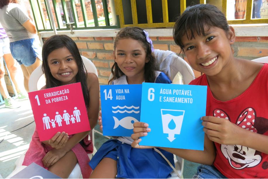 Crianças participam de oficina de sensibilização sobre ODS promovida na Virada Sustentável 2018. Foto: Macarena Mairata/SDSN Jovem Amazônia