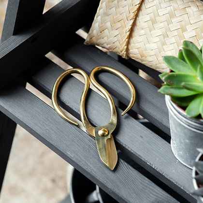 Garden Scissors in Bamboo pouch