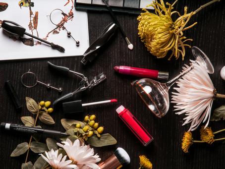 Maquiagem sustentável, vegana, vegetariana: como ficar linda e ainda acima do bem e do mal