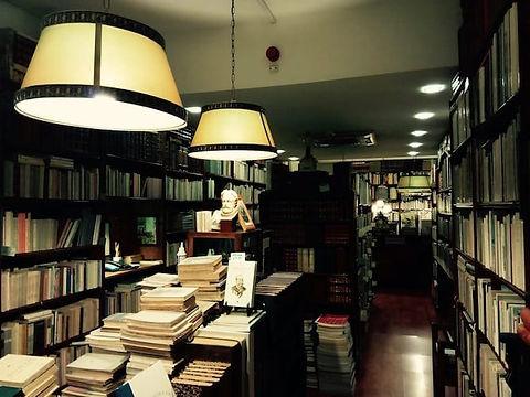 livrarias-segunda-mao-porto-candelabro.jpg