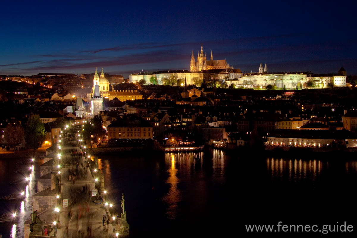 night-charles bridge & prague castle