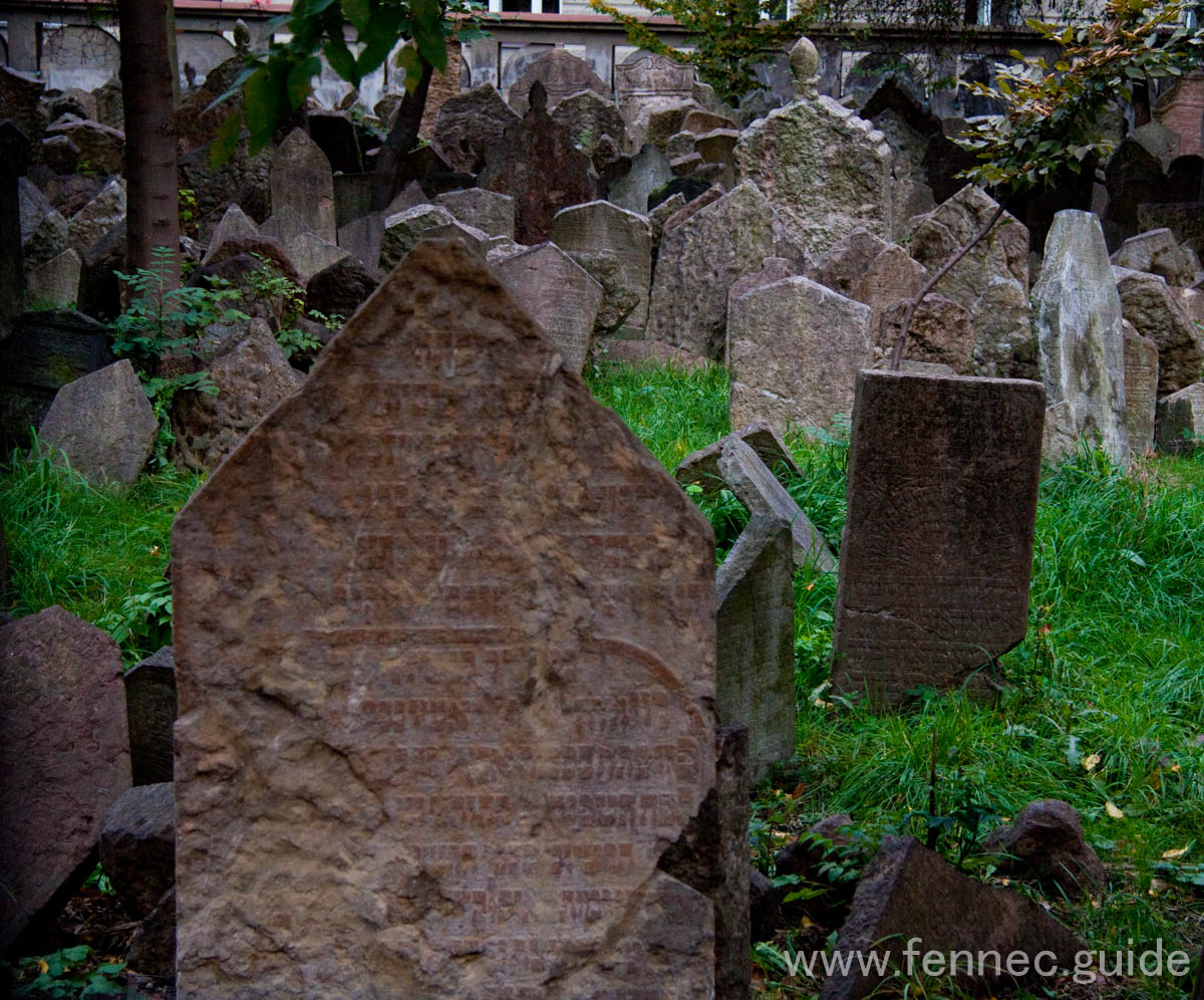 famous prague jewish cemetery