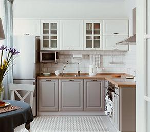 Weiße graue Küche