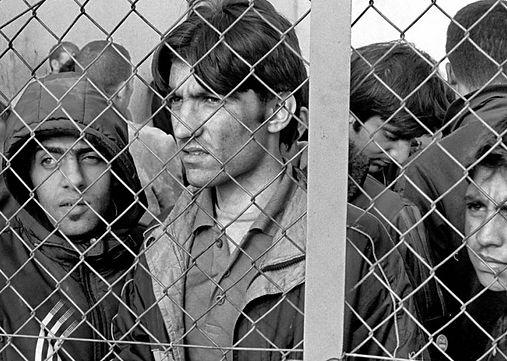 Refugee seekers b& W.jpg