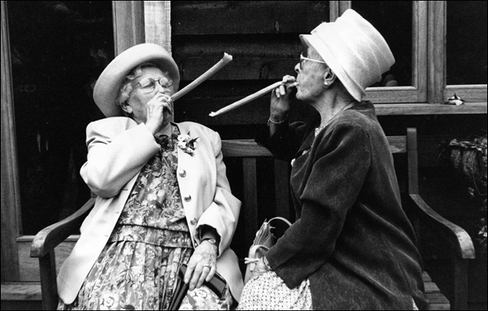 Old ladies have fun at wedding