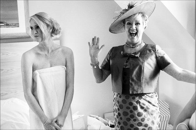 Brides mum laughs