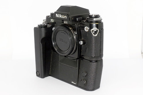 Nikon F 3 mit MD 4
