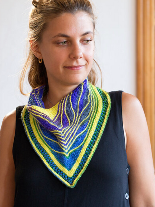 Butterfly Cowl Kit - Urth Yarns