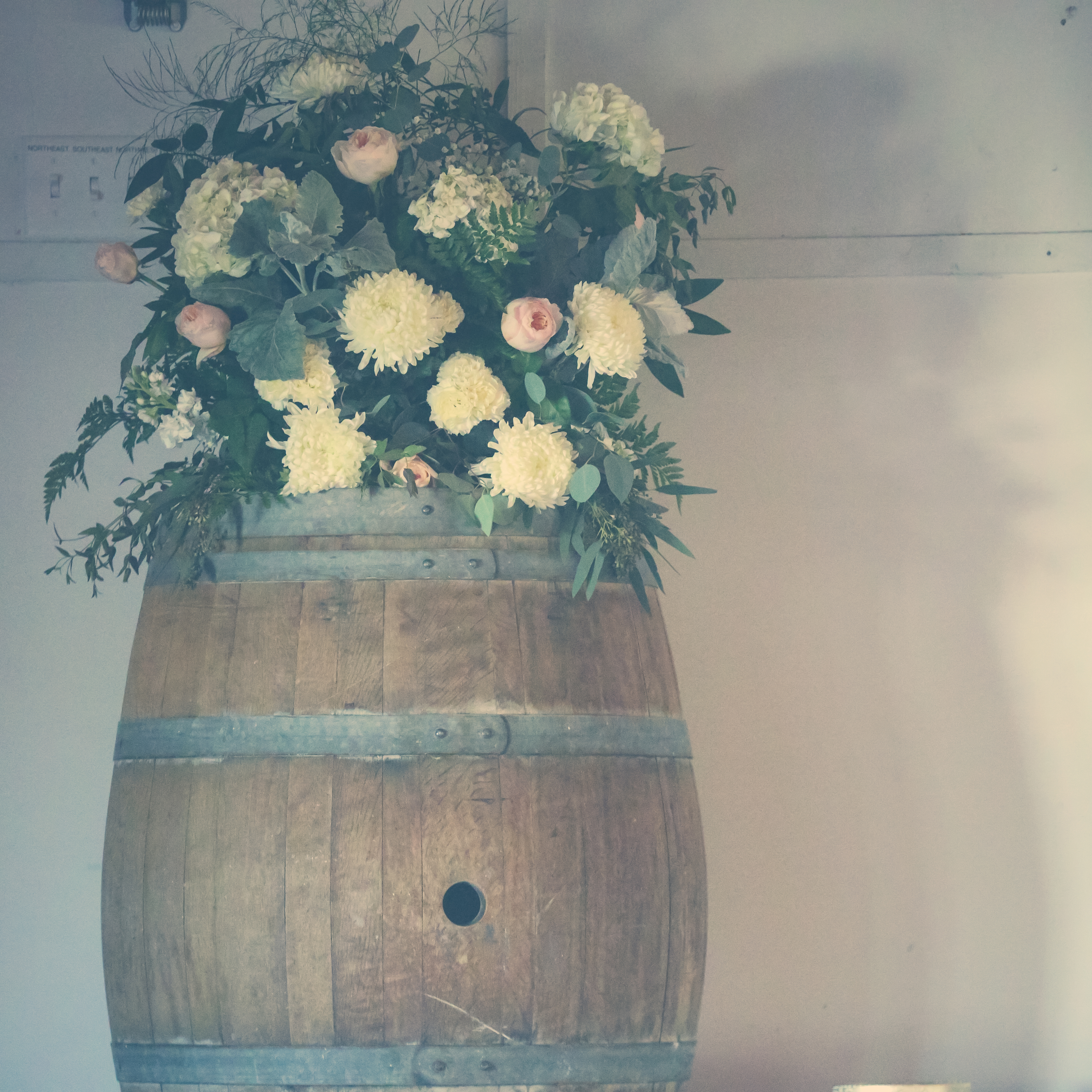 wine-barrel-flowers
