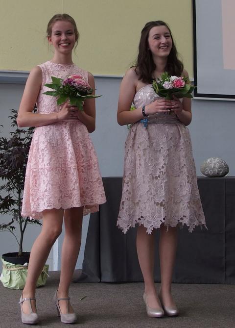 2017_Nora_Orlowski_und_Katharina_Grünhage_ausgezeichnete_Schülerinnen