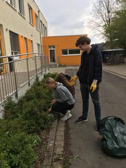 2021_5_Kl. 9_Heckenpflanzung2