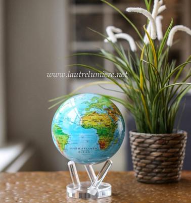 Globe terrestre qui tourne tout seul mag