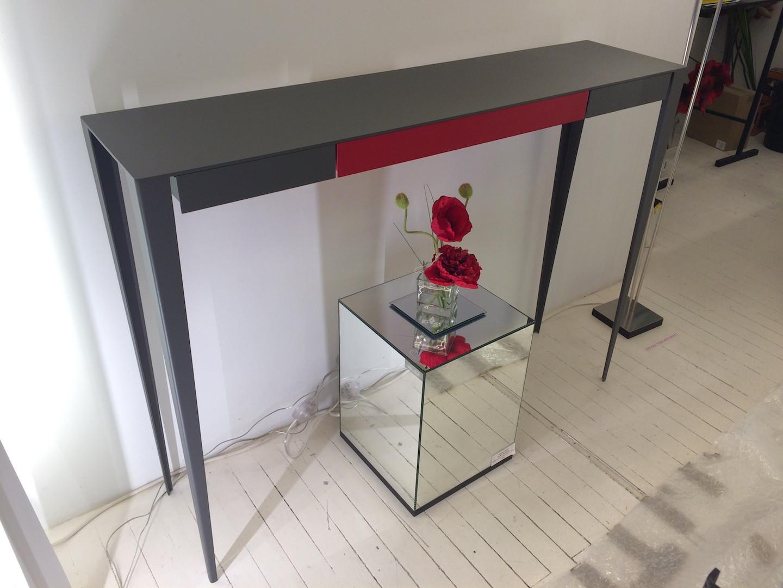 Console 115cm anthracite et rouge carmin